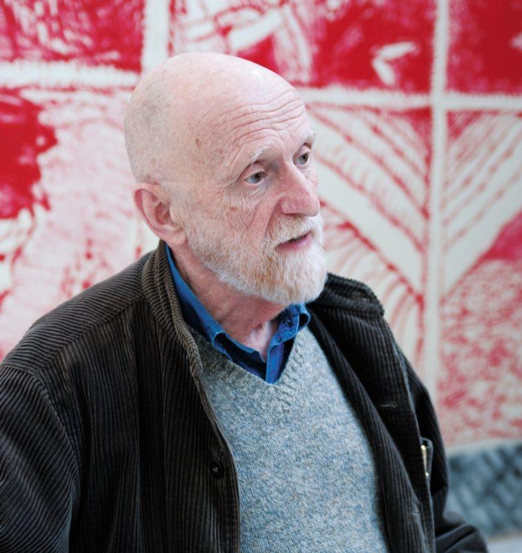 Pierre Alechinsky dans son atelier en 2010.