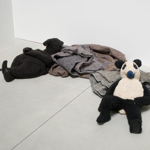 Peter Fischli et David Weiss Rat and Bear (Sleeping) 2008