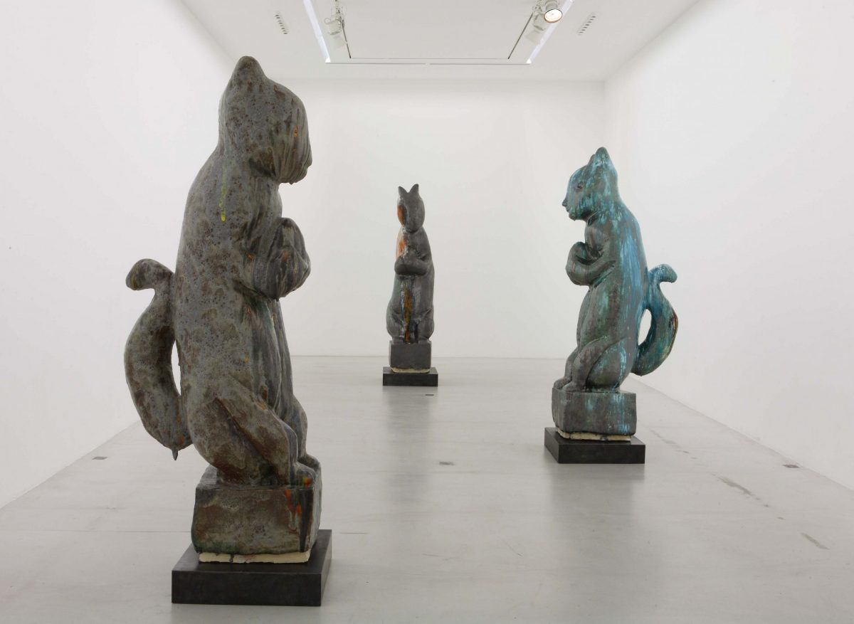 Vue de l'exposition Dark Continent, à la galerie Emmanuel Perrotin, à Paris en 2010.
