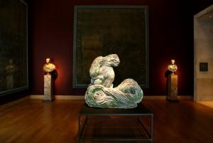 La très grande vague pour Palissy (ici au Musée du Louvre), Johan Creten, 2004-2005.