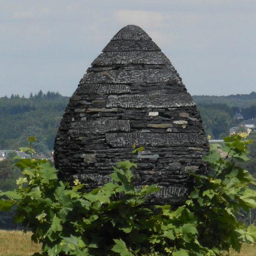 Cairn (Domaine de Chaumont-sur-Loire), Andy Goldsworthy, août 2016.