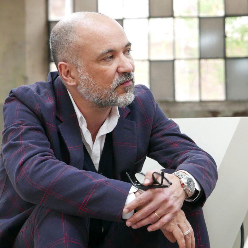 Didier Faustino.