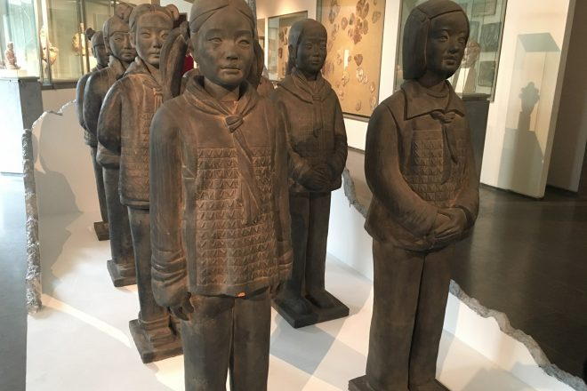 « Terracotta Daughters », Prune Nourry, 2013