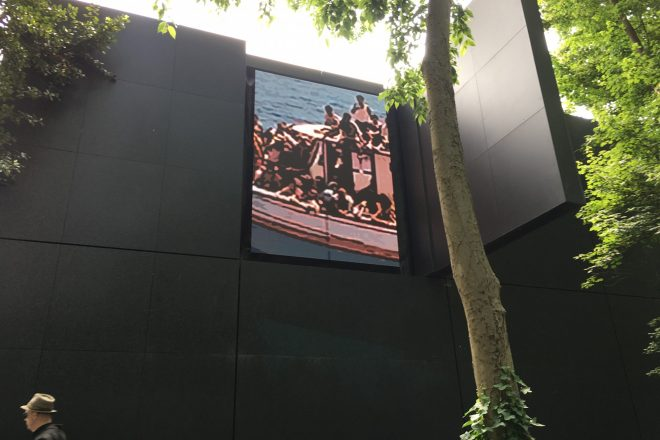 « Vigil », Tracey Moffatt. Pavillon australien
