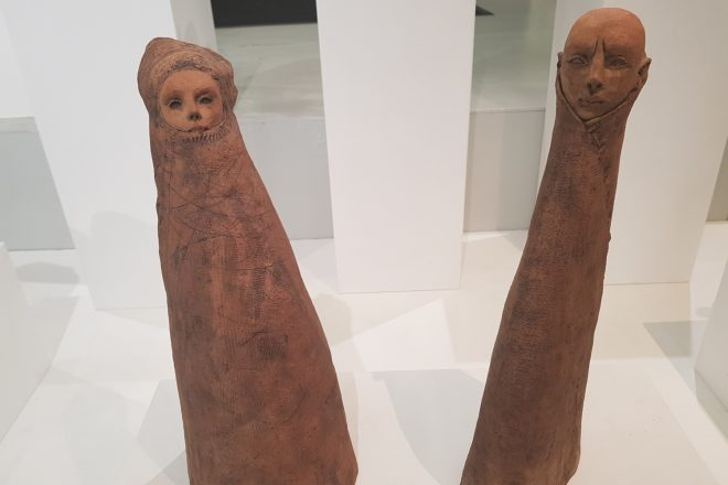 De gauche à droite : « Femme Nomade » et « Nomade », Jade