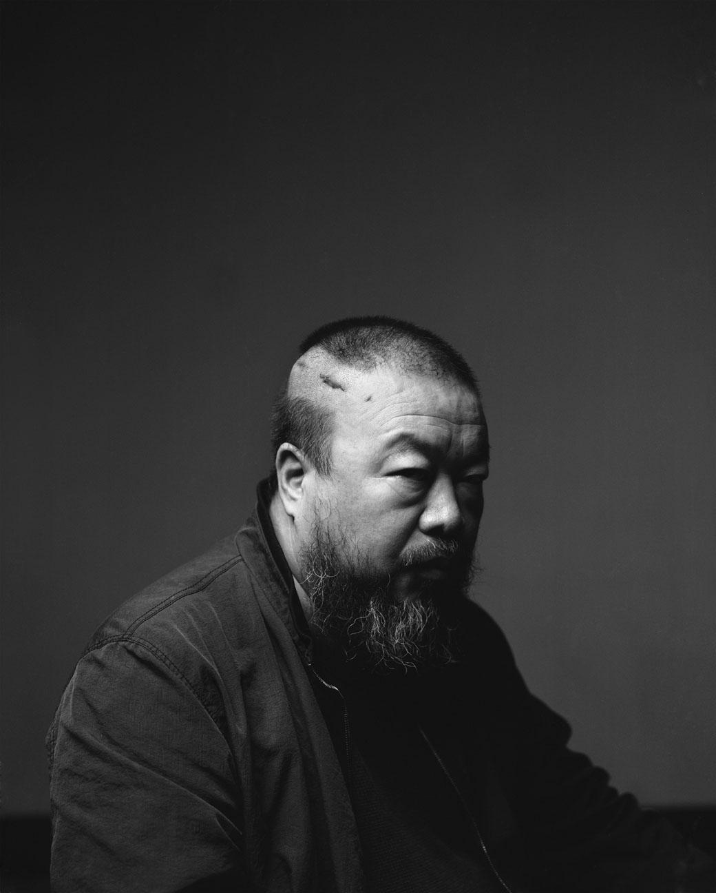 L'artiste Ai Weiwei est sorti de détention le 22 juin après 80 jours d'enfermement,  n'ayant reçu qu'une seule fois la visite de sa femme.