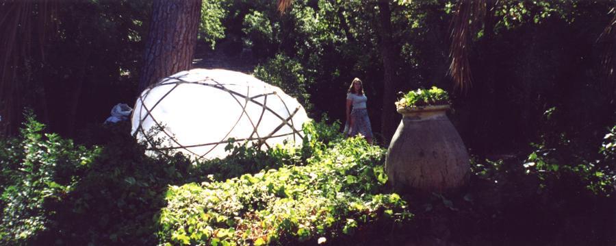 Myriam Goubey | Un cocon sous les palmiers | septembre 2000