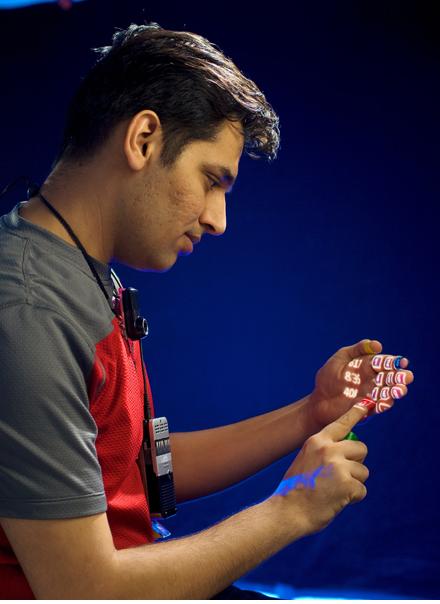 Pranav Mistry |Taper un numéro de @téléphone directement sur sa paume!|