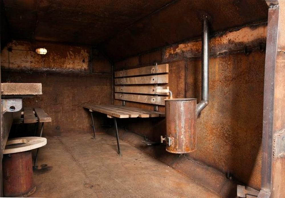 Atelier Van Lieshout, F93
