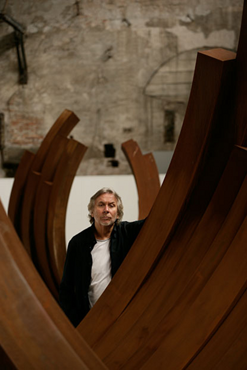 Bernar Venet, photo Pat Verbruggen, Antwerp, archives Bernar Venet, New York