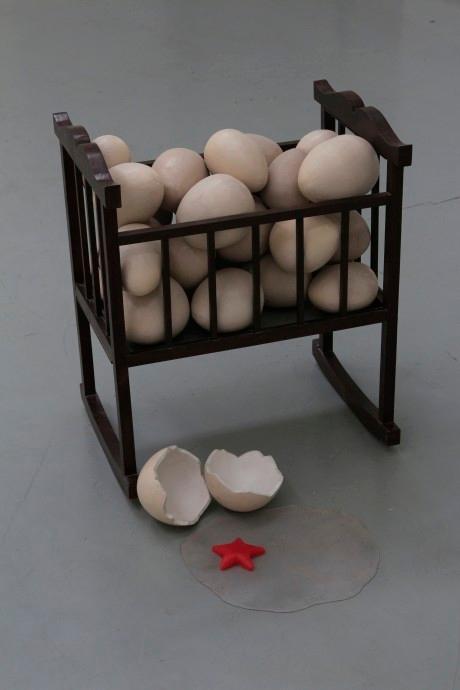Des œufs sous le drapeau rouge, Pan Deng, 2014.