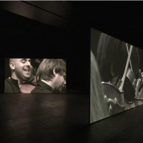 Douglas Gordon, photo Mike Bruce - Studio lost but found - ADAGP, courtesy galerie Gagosian et Amadeus Chamber Orchestra