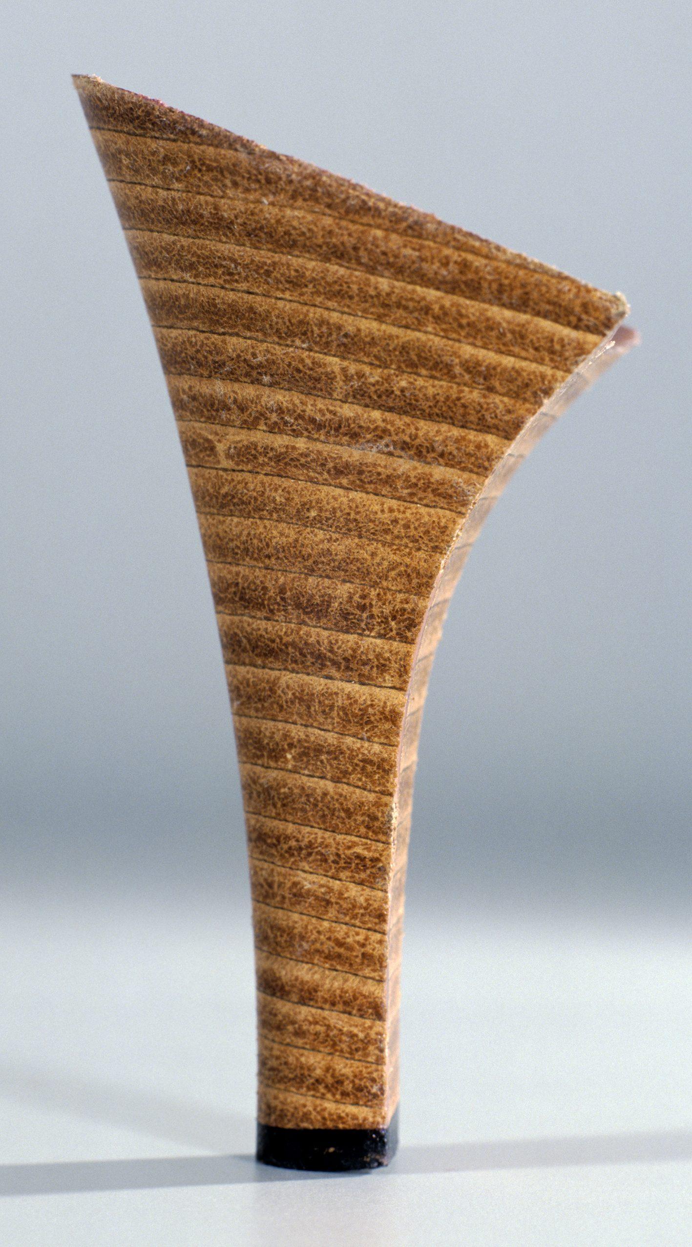Talon réf. 100-40, photographie couleur Cibachrome@(216 x 120 cm)